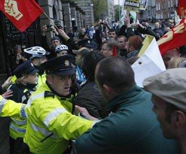 Размирици в братска Ирландия