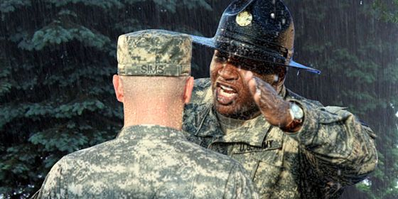 Американски миротворец: Аморални песни зомбират войниците